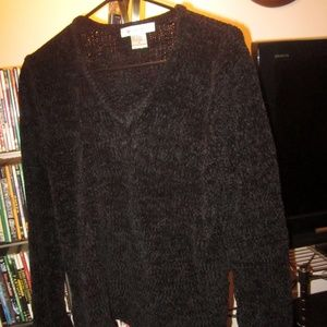 Newport News Acrylic v-neck sweater Sz M